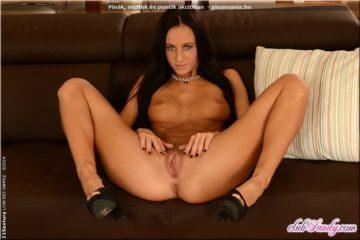 Eveline Neill - hosszú lábak köze